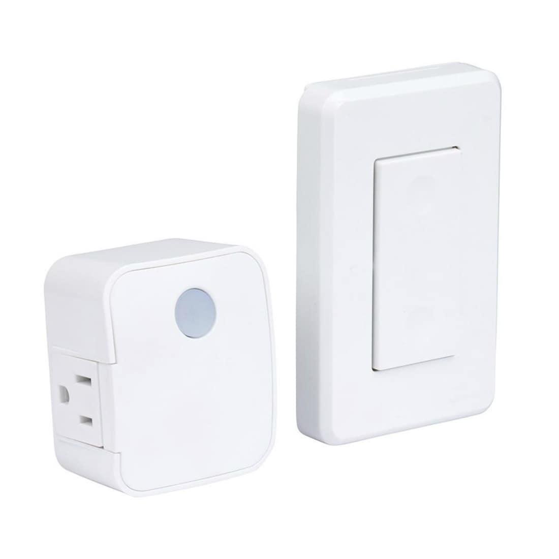 White Amertac Plug Indoor
