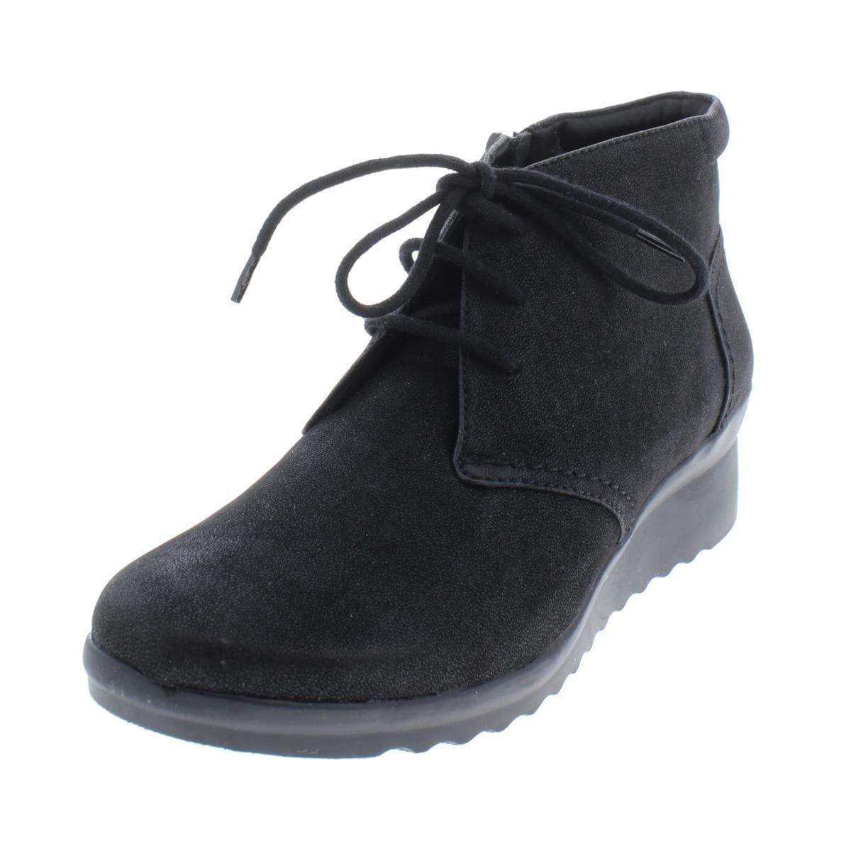 CLARKS Women/'s Caddell Hop Boot