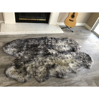 "Dynasty Natural 4-Pelt Luxury Long Wool Sheepskin White with Black Tips Shag Rug - 3'6"" x 5'6"""
