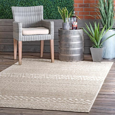 Jayapura Tribal Bands Indoor/Outdoor Area Rug by Havenside Home