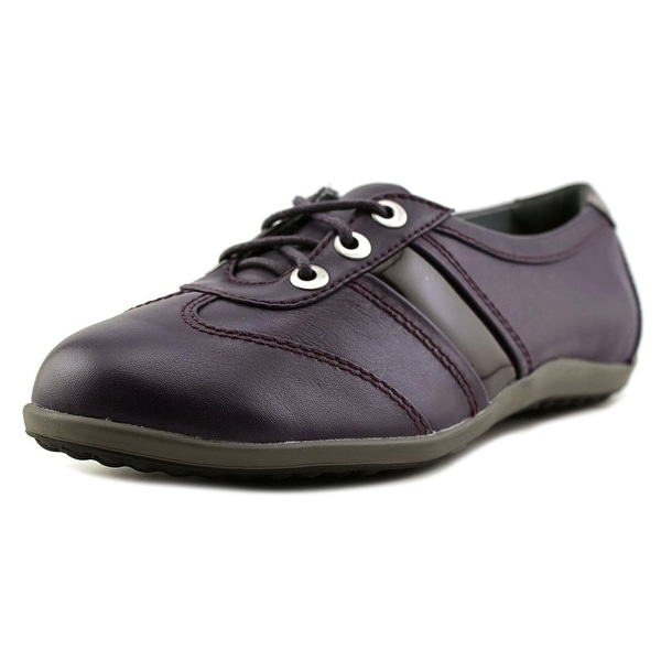 Blondo Mao Women Deep Oxfords