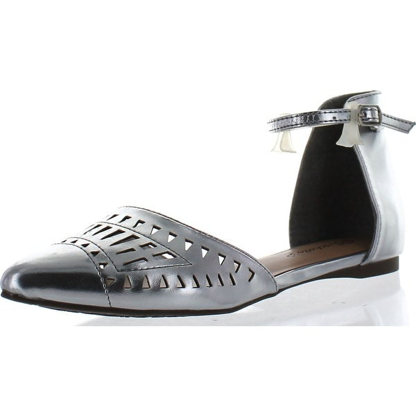 Breckelle's Diane-25 Women's Ankle Strap Cut Out Flat Sandals - Silver - 6 b(m) us