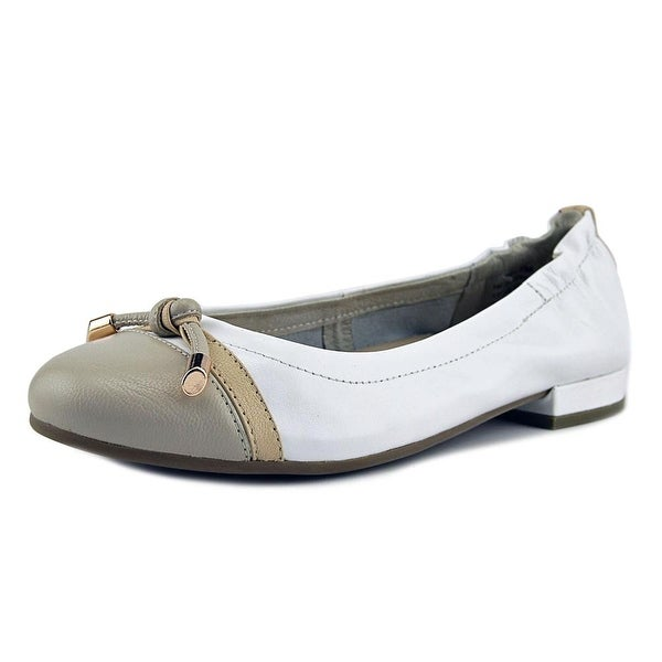 David Tate Amelia Women Round Toe Leather White Heels