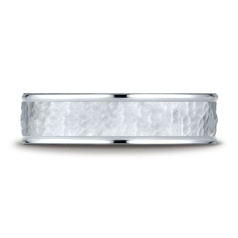Platinum Comfort Fit 6mm High Polish Edge Hammered Center Design Band