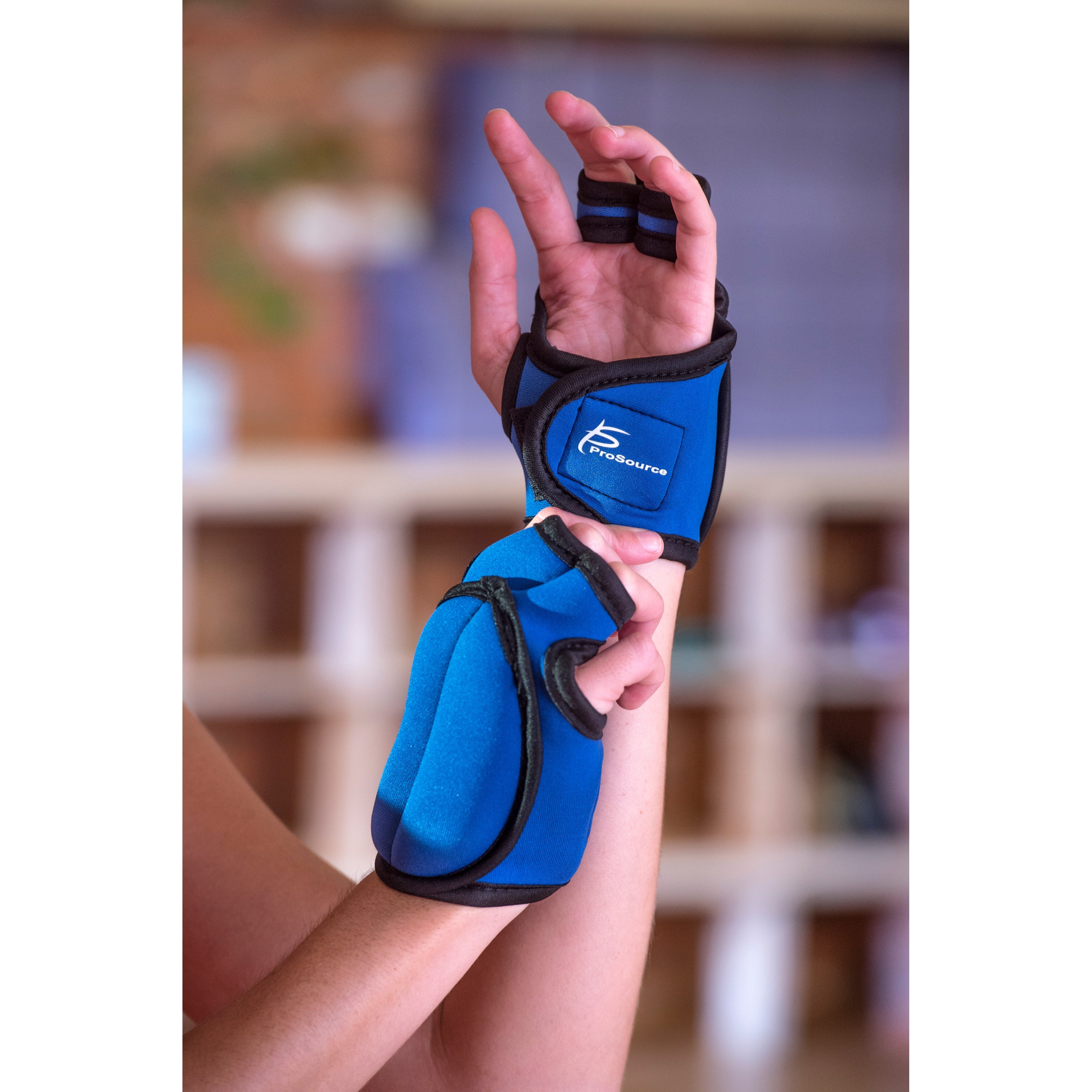 ProSource Pair of Neoprene Weighted Gloves 2lbs for Sculpting and Aerobics Black