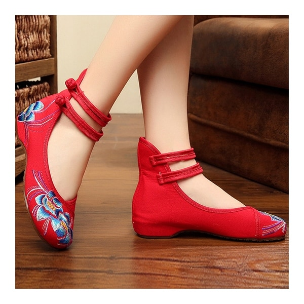 Old Beijing Cloth Embroidered Shoes Square Dancing   white