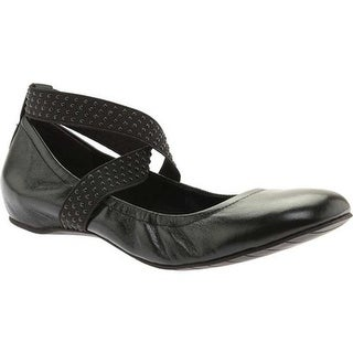 Kenneth Cole Reaction Women's Gen-Eral Flat Black Leather