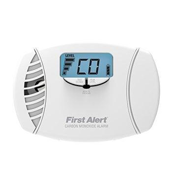 First Alert FATCO615W Dual Power Carbon Monoxide Plug-In Alarm