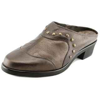 Walking Cradles Click W Round Toe Leather Mules