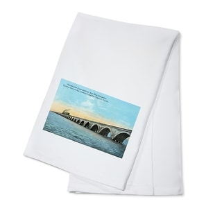 Florida - View of the Key West Extention of the FL East Coast Railroad - Vintage Halftone (100% Cotton Towel Absorbent)