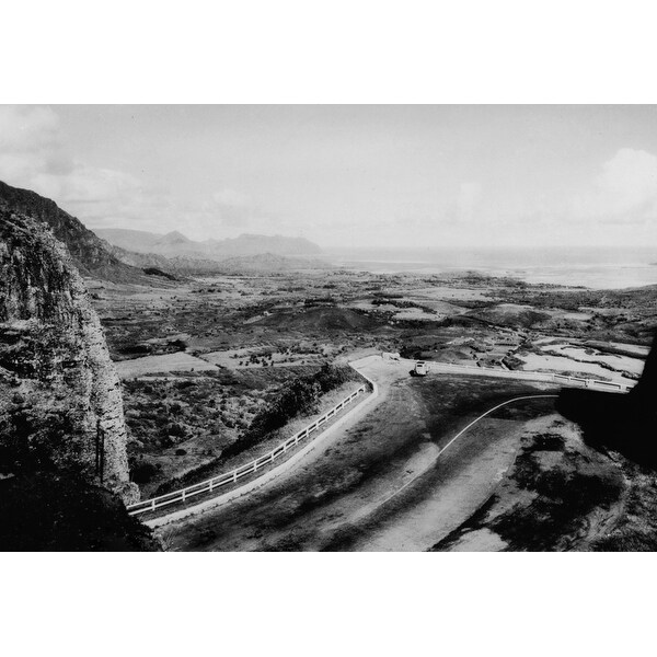 Honolulu, Hawaii - View of the Pali Photograph (Art Print - Multiple Sizes  Available) - 9 x 12 Art Print
