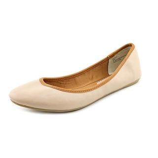 American Rag Womens CELLIA9 Closed Toe Ballet Flats