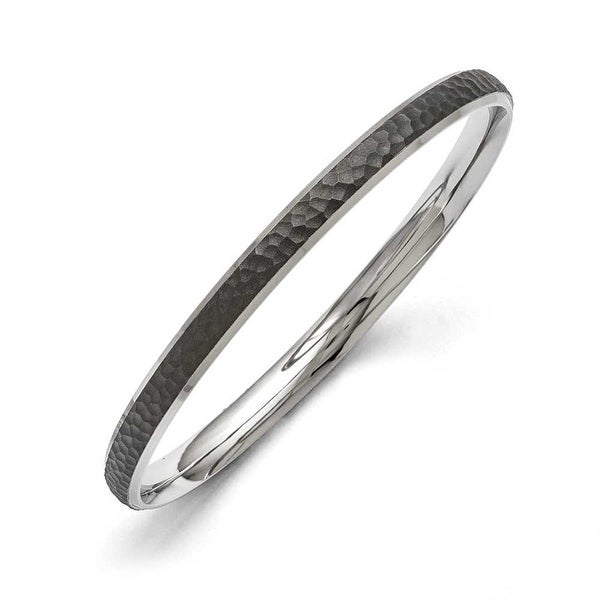 Chisel Stainless Steel Polished/Laser Cut Black IP-plated Hammered Bangle
