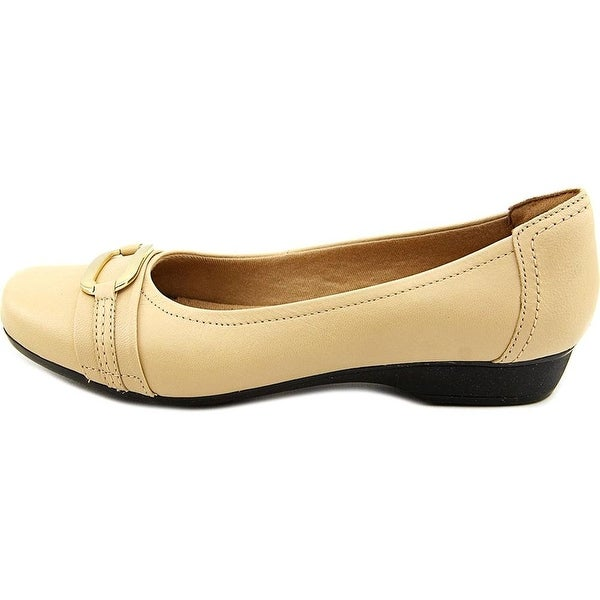 CLARKS Womens BLANCHE Round Toe Slide Flats