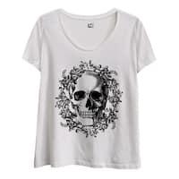 Skull Wreath-Ladies Plus Size Scoop Neck Tee