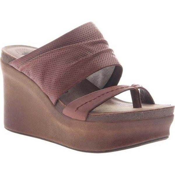 6d64631c395f Shop OTBT Women s Tailgate Heeled Sandal Sangria Leather - Free Shipping  Today - Overstock.com - 20747131