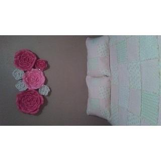 Light Peach Floral Patchwork Quilt Set