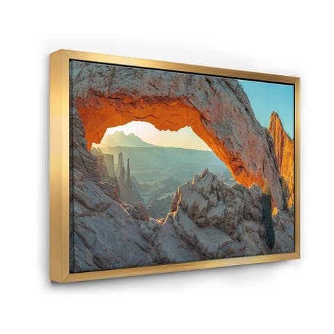 Designart 'Mesa Arch Canyon lands Utah Park' Landscape Framed Canvas Art Print