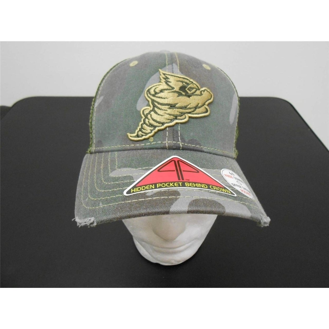 Iowa State Cyclones Camo Adult Mens Medium/Large M/L Cap Hat w/HIDDEN POCKET