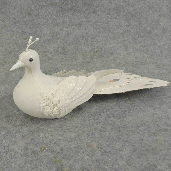 Long Tail Gray Resin Bird Clip On