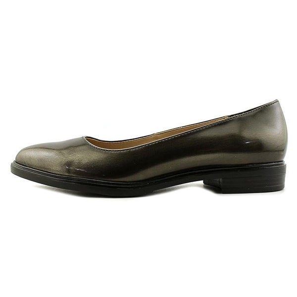 Naturalizer Womens Bengol Closed Toe Loafers