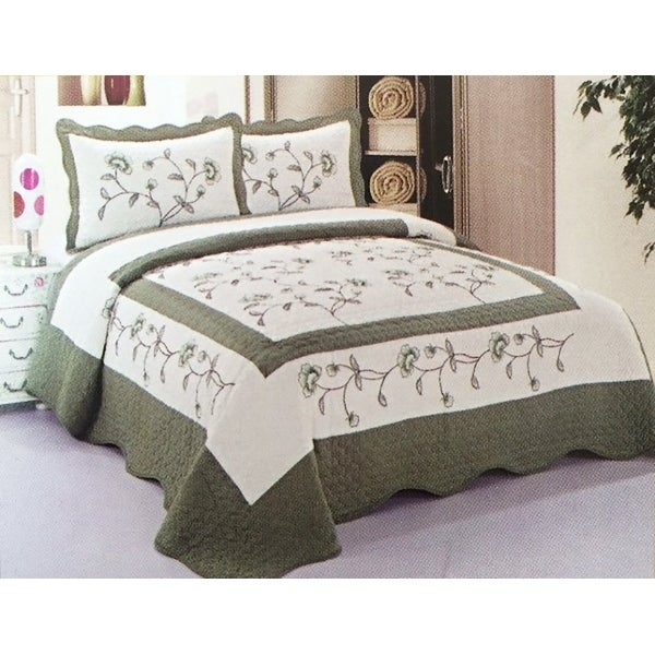 3 Piece King Size Sage Green White Floral Quilt Bedspread