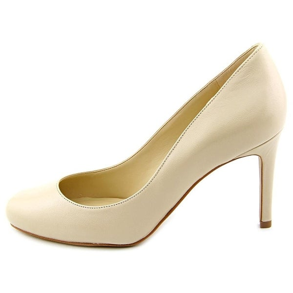 Marc Fisher Womens Universe 2 Leather Closed Toe Classic Pumps