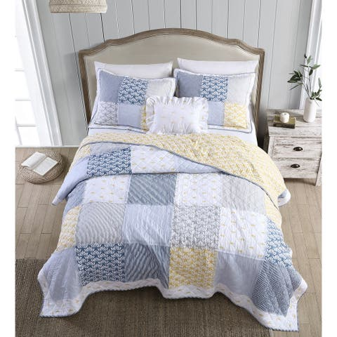 Heirloomed Vintage Wallpaper 3-Piece Quilt Set
