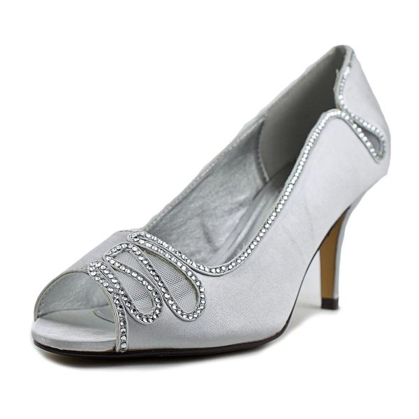 Taxi Sabina Women Silver Pumps