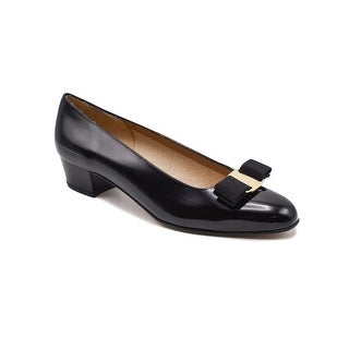 Salvatore Ferragamo Women's Black Vara Pumps Size 7