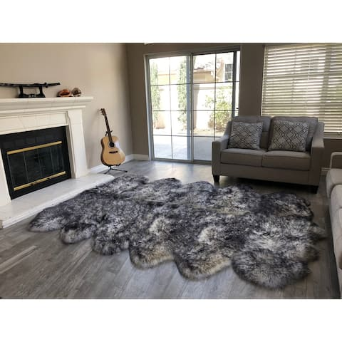 "Dynasty 12-Pelt Luxury Wool Sheepskin White with Black Tips Shag Rug - 5'5"" x 9'2"""