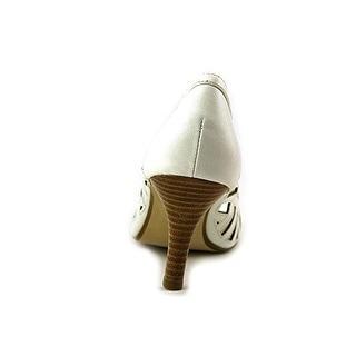 Adrienne Vittadini Footwear Women's Grandy Dress Pump