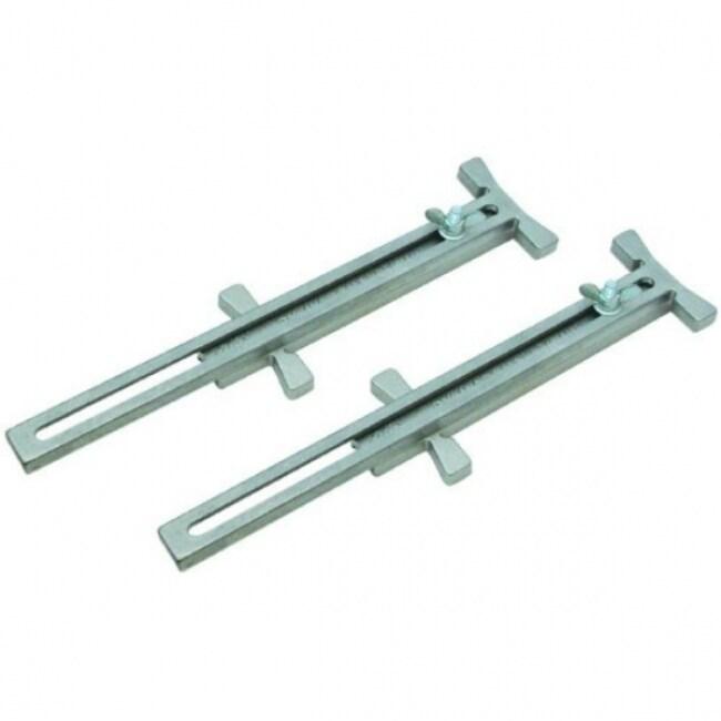 Marshalltown 16504 Pair Of Cast Aluminum Adjustable Line Stretchers