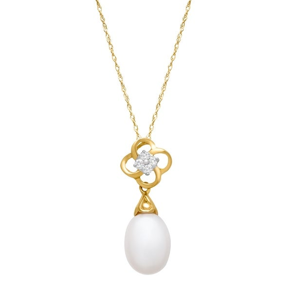 Freshwater Pearl Clover Pendant with Diamonds in 10K Gold