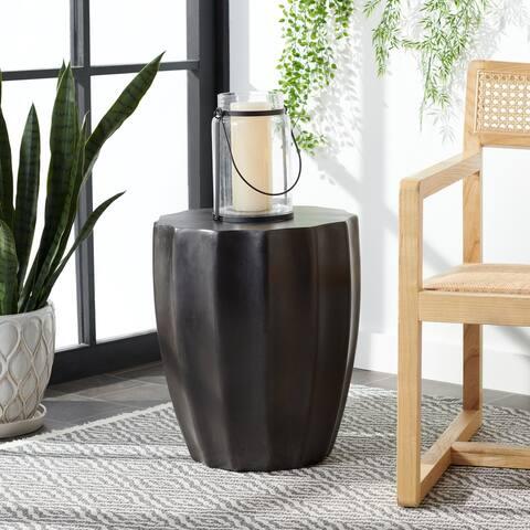 "SAFAVIEH Jaslyn Indoor/ Outdoor Modern Black Concrete Round Accent Table - 15.3"" W x 15.3"" L x 17.7"" H"