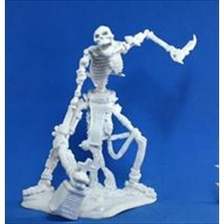 Colossal Skeleton (1) Miniature
