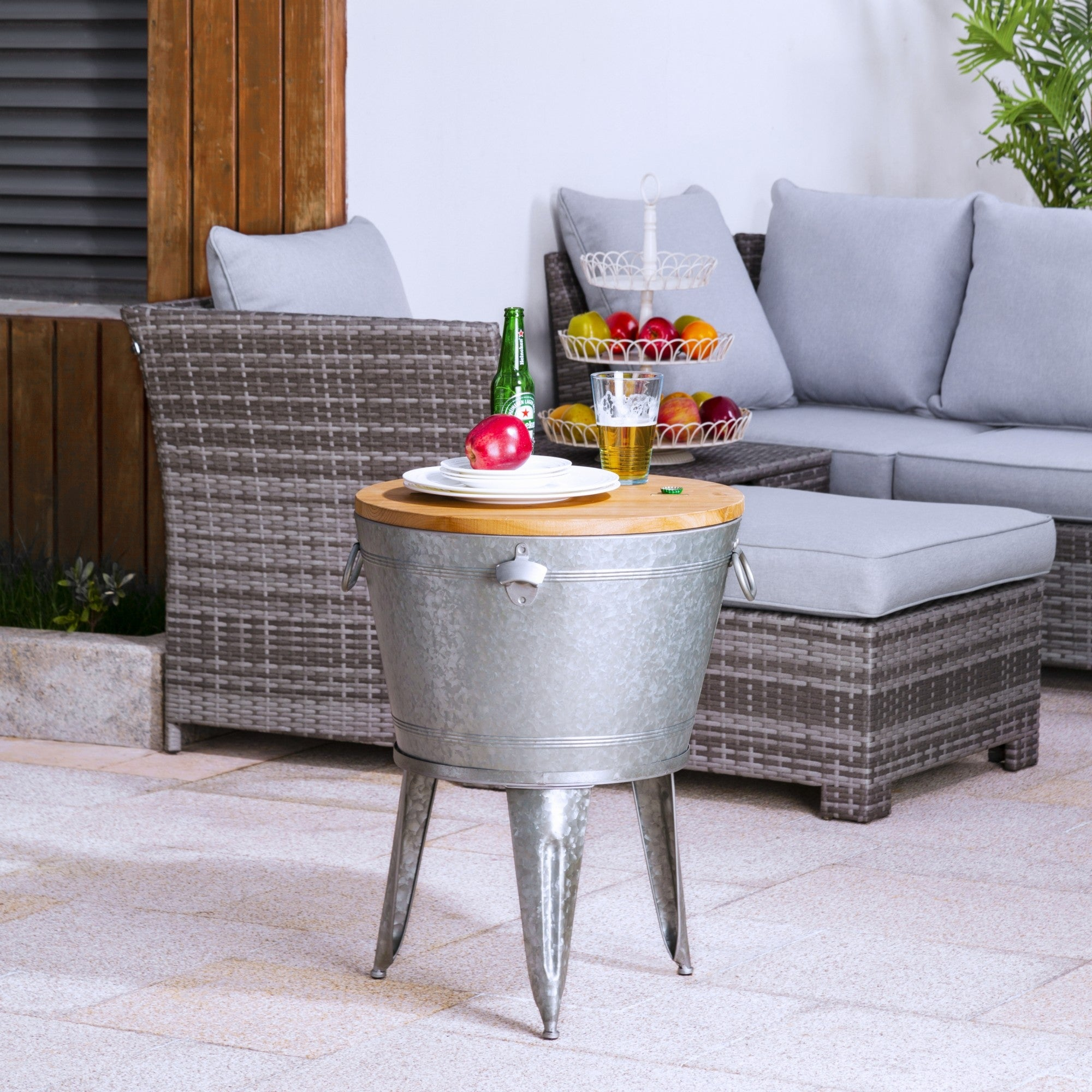 Glitzhome 26 H Galvanized Beverage Tub Metal Stand Accent Table 2 X 2 6 On Sale Overstock 30883489