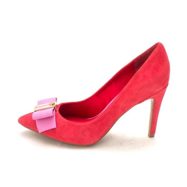 Isaac Mizrahi New York Womens Lillie Pointed Toe Classic Pumps - 6.5