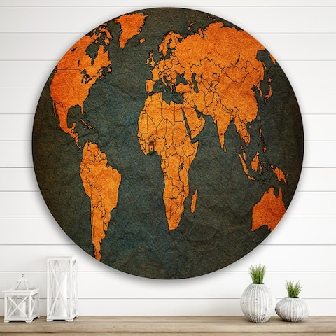 Designart 'Ancient Map of The World Africa' Vintage Metal Circle Wall Art