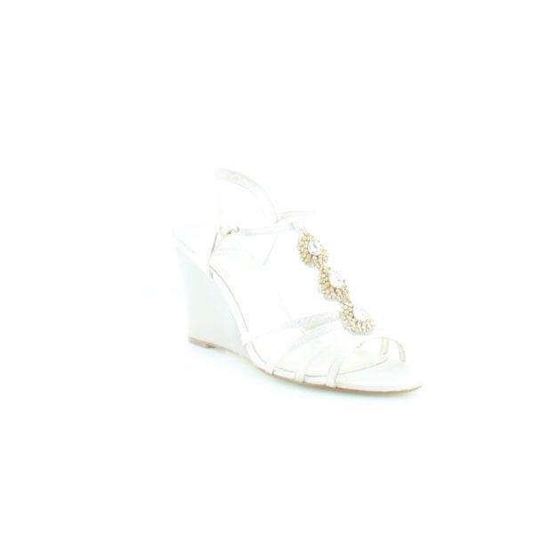 Adrianna Papell Kristen Women's Sandals & Flip Flops Pearl Wave Metallic