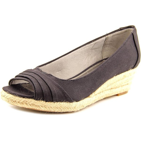 Life Stride Occupy Women Open-Toe Canvas Black Espadrille