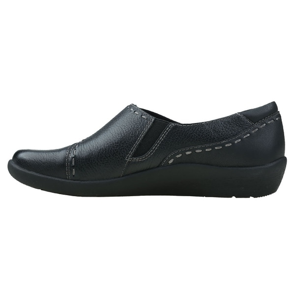 EARTH ORIGINS Womens Leona Leather Closed Toe Loafers