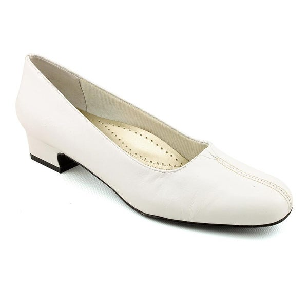 Trotters Doris Women Pointed Toe Synthetic White Heels