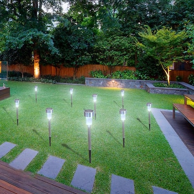 24pcs 5W High Brightness Solar Power LED Lawn Lamps with Lampshades White and Silver