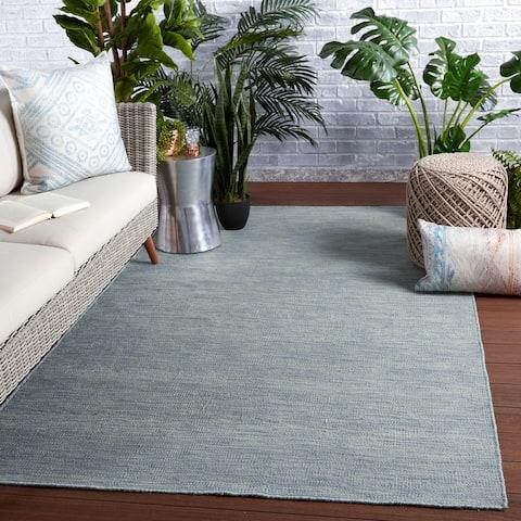 Kaden Indoor/ Outdoor Solid Area Rug