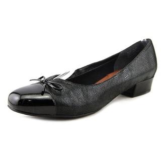 Ros Hommerson Tawnie N/S Round Toe Leather Heels