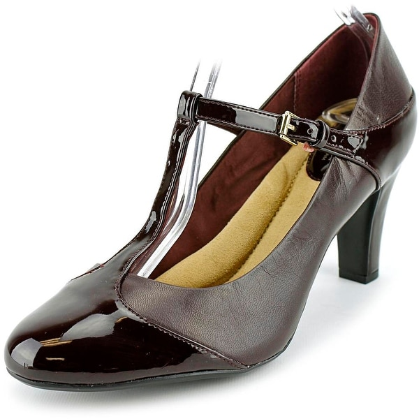 Giani Bernini Vineza Women Oxblood Pumps