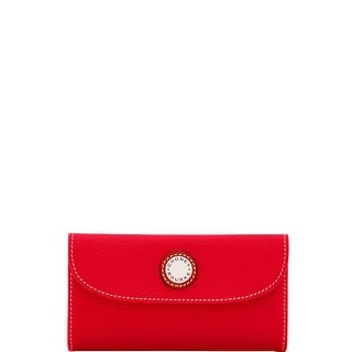 Dooney & Bourke Cambridge Continental Clutch (Introduced by Dooney & Bourke at $138 in Apr 2017)|https://ak1.ostkcdn.com/images/products/is/images/direct/99e98bb5fe1ab8425e81fb5bad38bb63cf41f949/Dooney-%26-Bourke-Cambridge-Continental-Clutch-%28Introduced-by-Dooney-%26-Bourke-at-%24138-in-Apr-2017%29.jpg?impolicy=medium