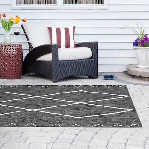 Madison Park Maya Grey/ White Moroccan Indoor/Outdoor Rug