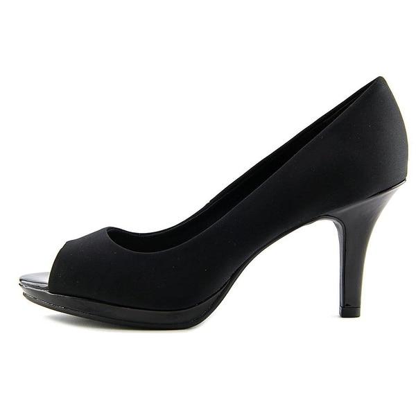 ffe6dae093eb Shop Bandolino Womens Supermodel Peep Toe Classic Pumps - Free ...